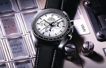 Omega Speedmaster Apollo 13 Silver Snoopy Award