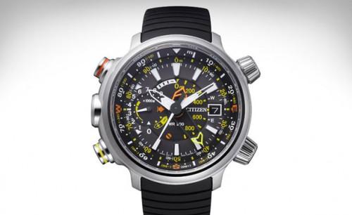 титановые часы Citizen