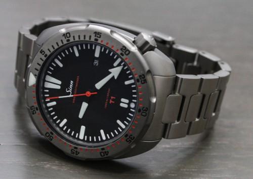 титановые часы Sinn